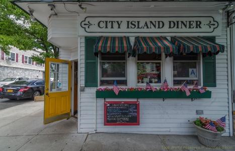 City Island-18